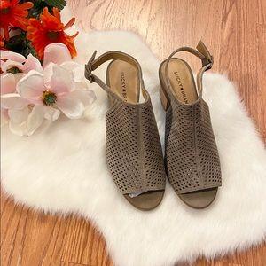 NWOT Lucky Brand Bertel sandal size 10
